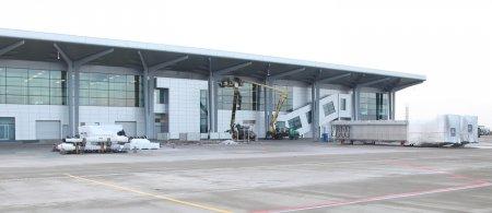 В Международный аэропорт «Харьков» завезли телетрапы (+ ФОТО)