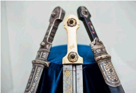 В Харькове открылась выставка раритетных кавказских кинжалов (ФОТО)