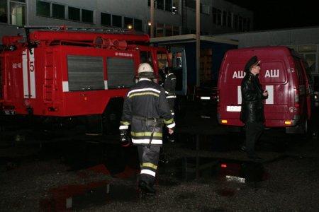 В Харькове горела школа, а в ней четыре избирательные участки (ФОТО)