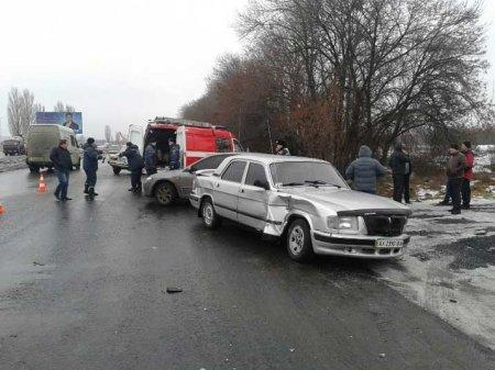 В масштабном ДТП под Харьковом погибла женщина (ФОТО)