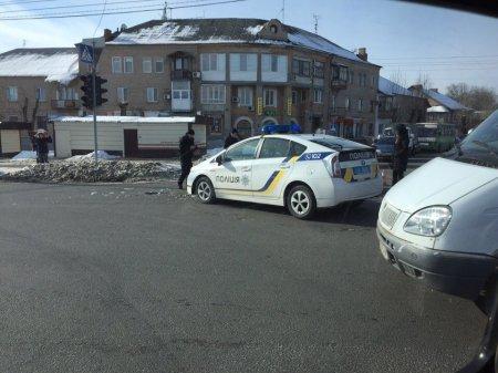 Машина патрульных попала в аварию (фото)