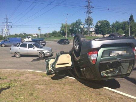 На Новых домах перевернулся Subaru, есть пострадавшие (фото)