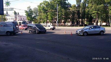 Авария на Московском: есть пострадавшие (фото)