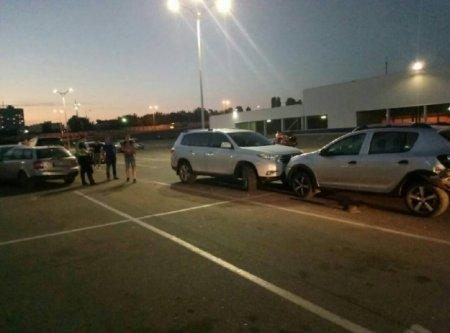 В Харькове столкнулись шесть машин (фото)